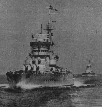 La corazzata Cavour in navigazione